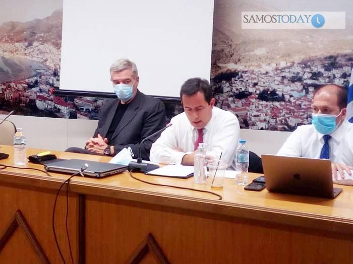 Νότης Μηταράκης από τη Σάμο: «Ανακτούμε με σχέδιο τον έλεγχο του μεταναστευτικού». Ενημέρωσε το Δημοτικό Συμβούλιο Ανατολικής Σάμου (φωτογραφίες+video)