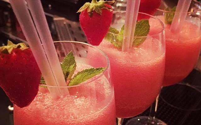 Frosé: Ήρθε, για να μείνει!... Η νέα πρόταση του Συνεταιρισμού Σάμου για «ΤΟ» cocktail του καλοκαιριού!