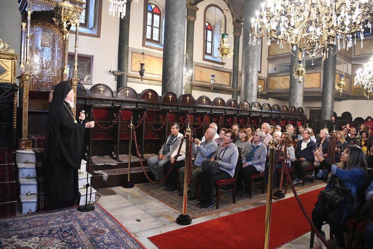 Ο Οικουμενικός Πατριάρχης υποδέχθηκε πολυπληθή όμιλο προσκυνητών από την Σάμο, την Ικαρία και τους Φούρνους