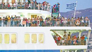 Πλωτά κέντρα φιλοξενίας στα νησιά - Το σχέδιο για τη μίσθωση πλοίων. Γιώργος Στάντζος: «Βλέπουμε θετικά το ενδεχόμενο των πλωτών hotspots. Αρκεί να μη δέσουν μόνιμα στο κεντρικό λιμάνι του νησιού μας