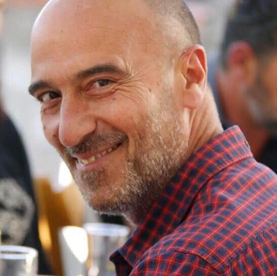 Τάσος Νικολαϊδης: Χριστουγεννιάτικο τραπέζι με καπíρα και ντόπιο κρασί