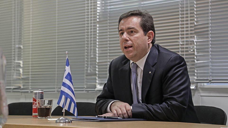 """Ν. Μηταράκης: """"Αλλάζει η εικόνα στο Μεταναστευτικό - Δίνουμε έμφαση στην αποσυμφόρηση των νησιών και στην έμπρακτη στήριξη των τοπικών κοινωνιών"""""""