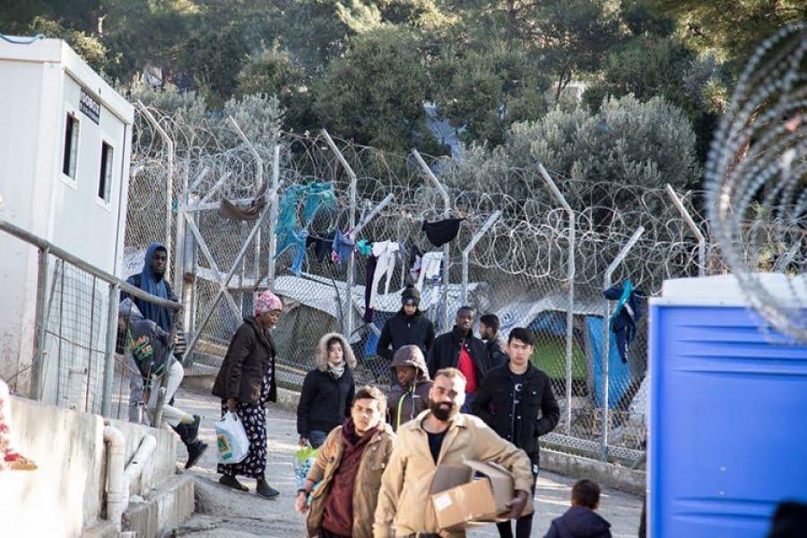 Νότης Μηταράκης: 28 τα κρούσματα του κορωνοϊού σε δύο δομές μεταναστών