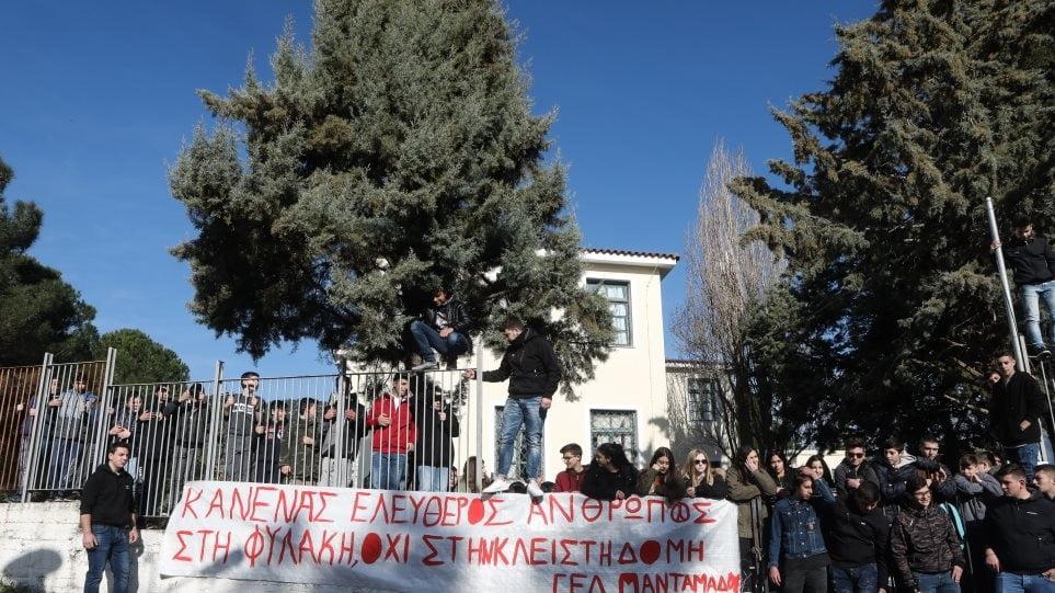 Αντιδράσεις από ΣΥΡΙΖΑ, ΚΙΝΑΛ και ΚΚΕ για τη μεταφορά ΜΑΤ σε Χίο και Λέσβο