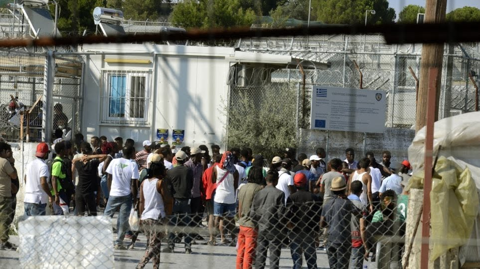 Περίπου 7.000 (+) πρόσφυγες – μετανάστες στη Σάμο. Αναχώρησαν σήμερα 62 άτομα για την ενδοχώρα