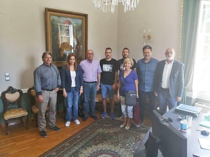 Σύσκεψη του Δημάρχου Ανατολικής Σάμου με το Δ.Σ. της Κοινότητας Σαμίων. Στο τραπέζι θέματα της καθημερινότητας