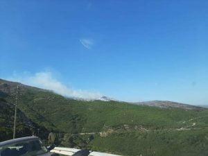 Συνεχίζεται η πυρκαγιά στο Μονοκάμπι Ικαρίας