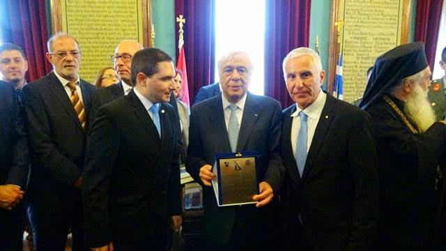 Ο Ροταριανός Όμιλος Σάμου τίμησε τον Πρόεδρο της Ελληνικής Δημοκρατίας