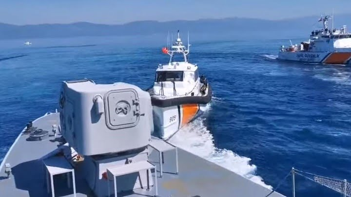 Απόπειρα προώθησης λέμβου με αλλοδαπούς εντός ελληνικών χωρικών υδάτων από τουρκικές ακταιωρούς
