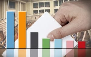 Tι αποκαλύπτουν οι δημοσκοπήσεις ένα χρόνο μετά τις εκλογές