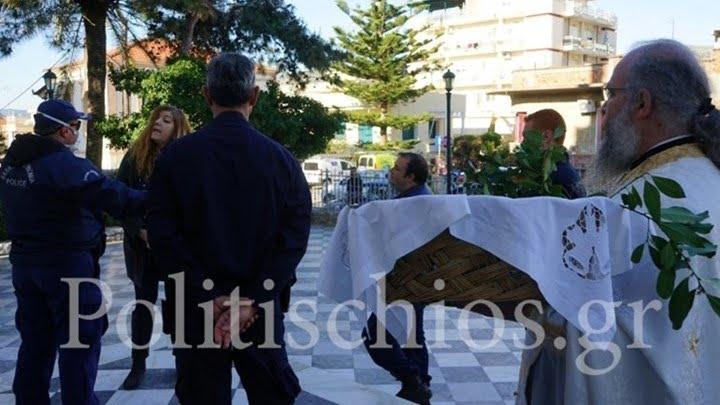 Χίος: Ένταση με πιστή που ήθελε να μπει σε εκκλησία -Η αντίδραση του ιερέα (βίντεο)