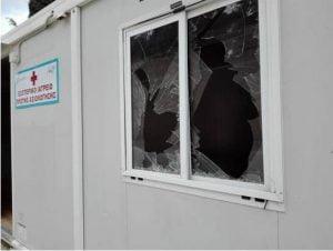 Φθορές στους οικίσκους της Αντιπεριφέρειας Σάμου έξωθεν του ΚΥΤ