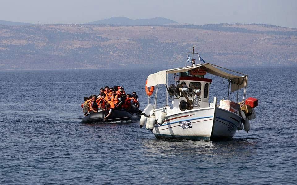 Στα αζήτητα το πλωτό φράγμα Στεφανή για τους πρόσφυγες