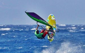 Μπάμπης Σακαντάρης: Το windsurfing είναι ολυμπιακό άθλημα, είναι ξεχωριστό, σε κάνει να σκέπτεσαι, σε κάνει να εκτιμάς, να σέβεσαι τη θάλασσα