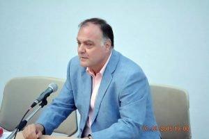 Νίκος Κατρακάζος: Πρέπει η κυβέρνηση να δώσει γραπτές εγγυήσεις για την αποσυμφόρηση του νησιού από πρόσφυγες και μετανάστες