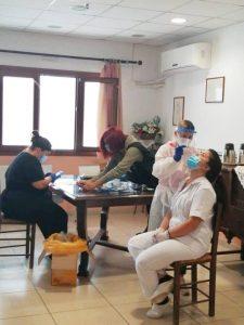 Από το Γηροκομείο ξεκίνησε το κλιμάκιο του ΕΟΔΥ. Το πρόγραμμα των δειγματοληπτικών ελέγχων