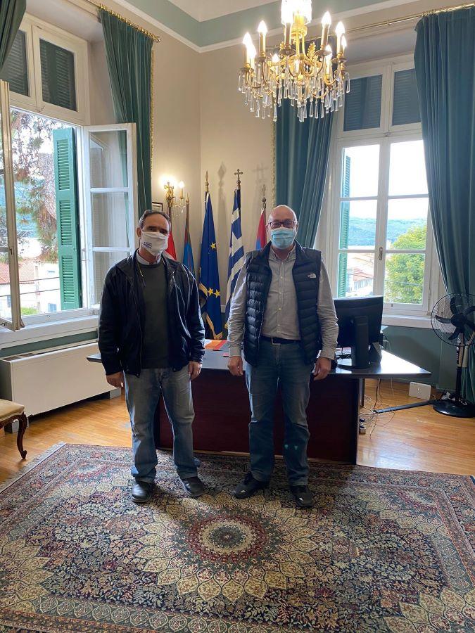 Συνάντηση εργασίας του Προέδρου Επιμελητηρίου Σάμου, κ. Κυριαζή με τον Δήμαρχο Αν. Σάμου, κ. Στάντζο