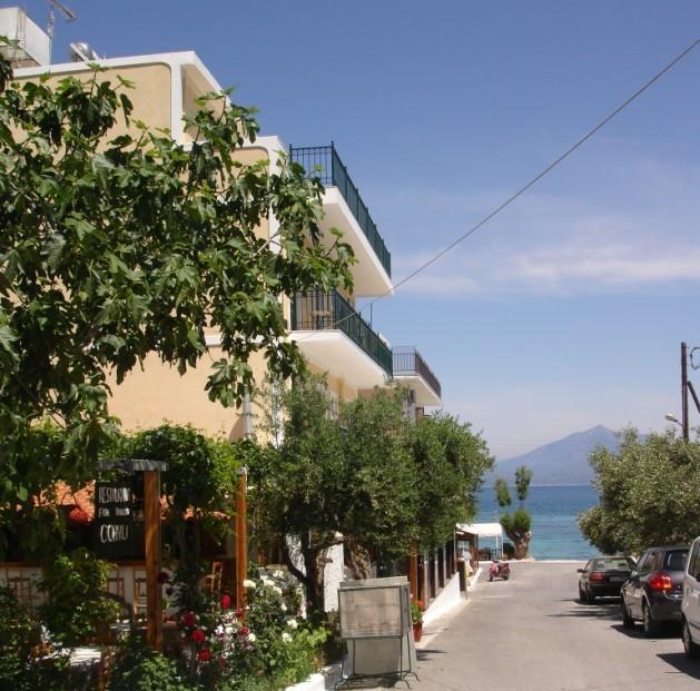 Εβδομαδιαία έρευνα TrevoTrend: Ποια ξενοδοχεία και ποιο μήνα προτιμούν οι Γερμανοί για διακοπές στην Ελλάδα. Στη λίστα και ξενοδοχείο από το Ηραίον