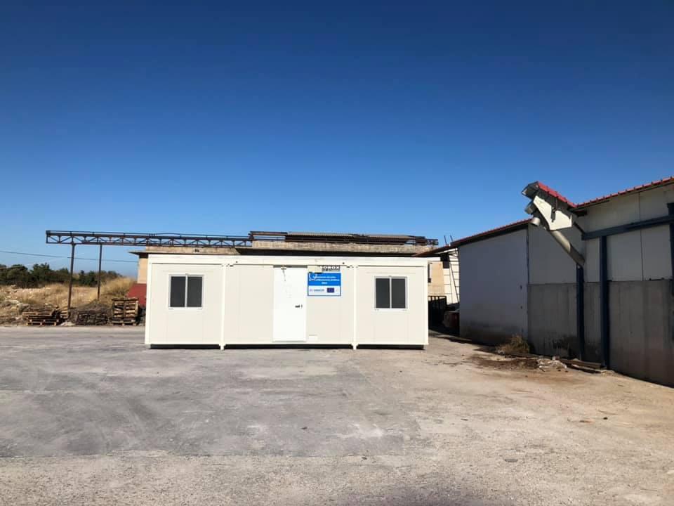 Ο Δήμος Δυτικής Σάμου παρέλαβε 21 κοντέινερς για την προσωρινή στέγαση των σεισμοπαθών