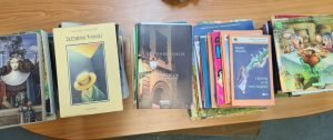 Δωρεά βιβλίων στο Γ.Ν Σάμου από το προσωπικό του ΕΣΥΔ (Εθνικό Σύστημα Διαπίστευσης)