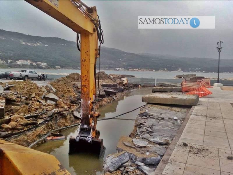 Δύσκολη η αποκατάσταση της ζημιάς στον αποχετευτικό αγωγό της οδού Εμμανουήλ Σοφούλη