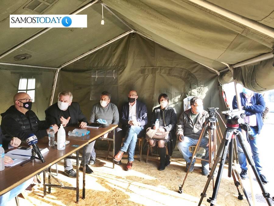 Ικανοποίηση από τις διαβεβαιώσεις των τριών Γενικών Γραμματέων που επισκέφθηκαν τη Σάμο για τις αποζημιώσεις του καταστροφικού σεισμού