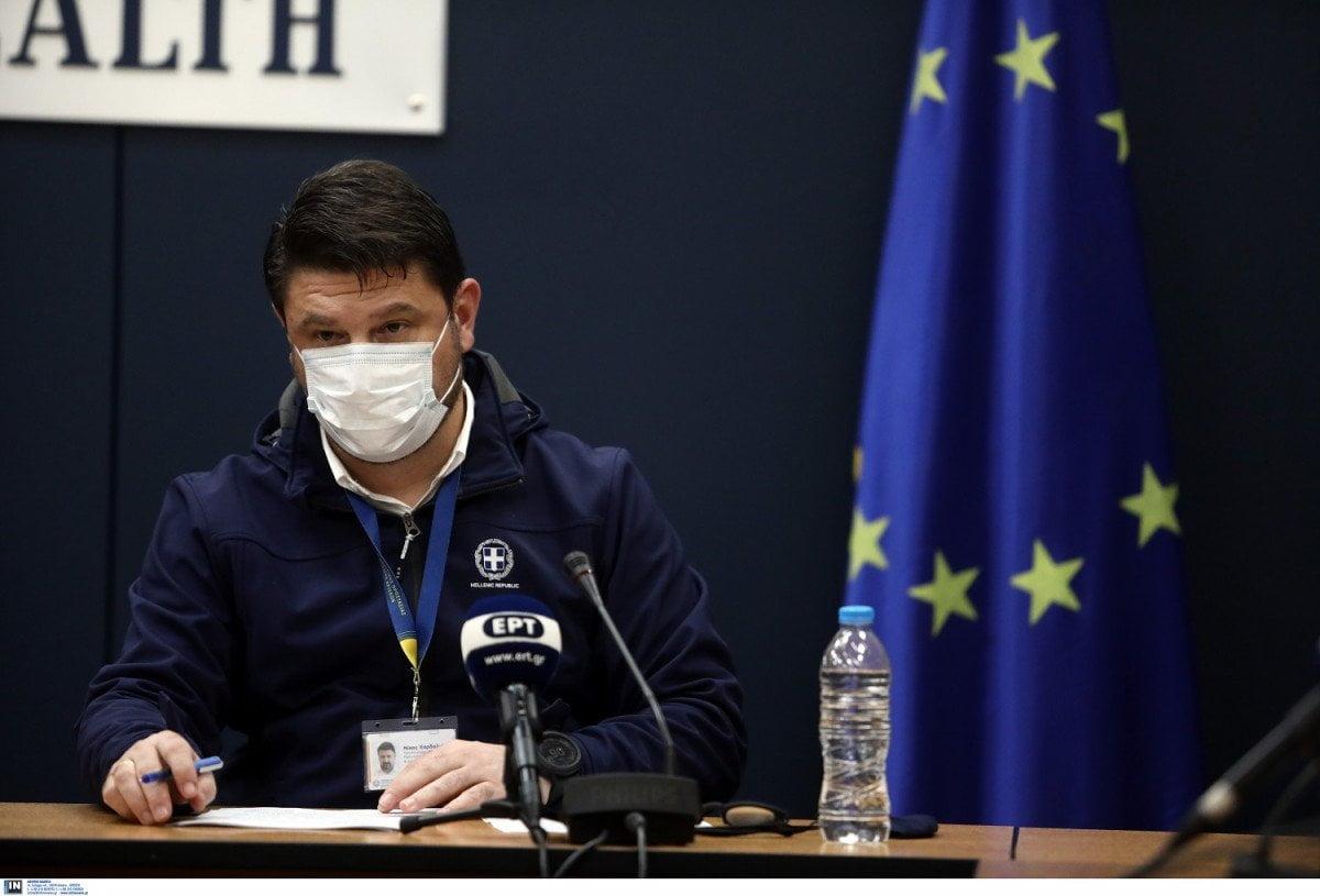Παράταση του lockdown για μία εβδομάδα ανακοίνωσε ο Νίκος Χαρδαλιάς, κλειστά click away, βιβλιοπωλεία και κομμωτήρια