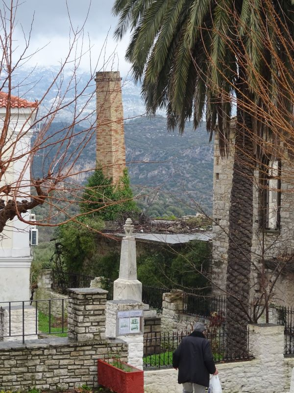 Πτώση καμινάδας από παλιό λιοτρίβι κρύβει νοσταλγικές ιστορίες
