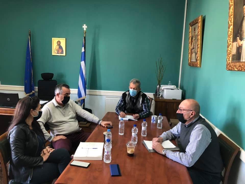 Κοινή σύσκεψη των δημάρχων της Σάμου με θέματα τα προβλήματα από τον σεισμό και την πανδημία